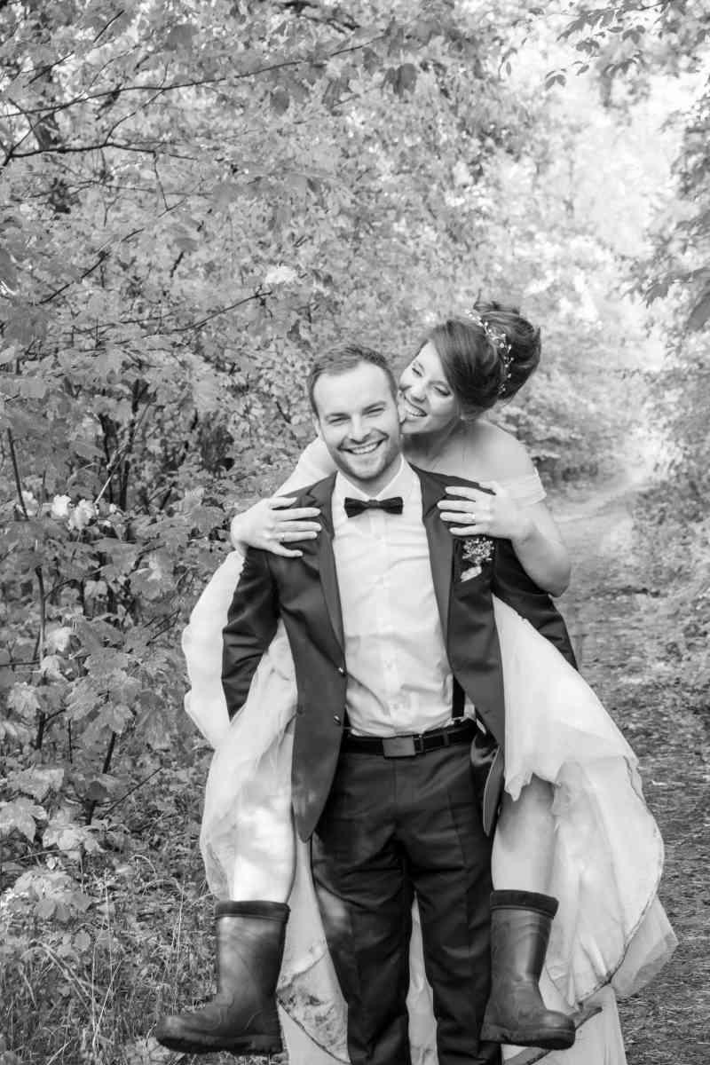 Brautpaarshooting-in-der-Natur-Spaß-Foto-DSK-Norddeutschland