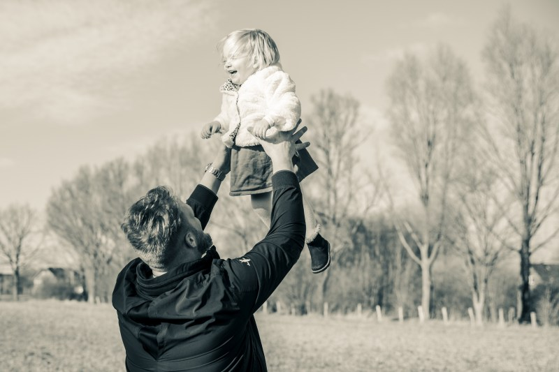 Eltern-Kind-Familienfoto-Family-Shooting-Fotografie-Fotograf-für-Familie-Kinderfoto.jpg